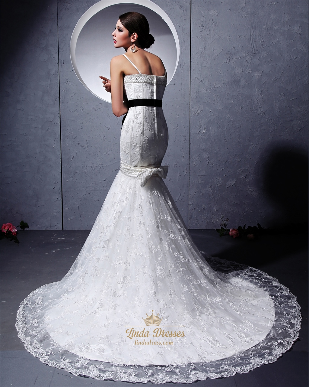 Black Mermaid Wedding Dresses: White Mermaid Beaded Spaghetti Strap Wedding Dresses With
