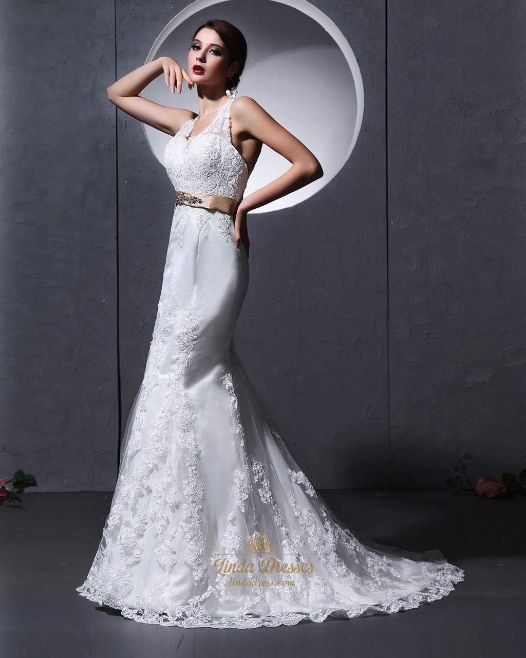 Ivory lace mermaid v neck lace chapel train keyhole back for Wedding dress with keyhole back