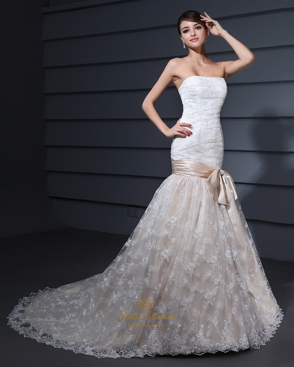 Champagne Vintage Wedding Dresses: Vintage White And Champagne Lace Mermaid Strapless Wedding