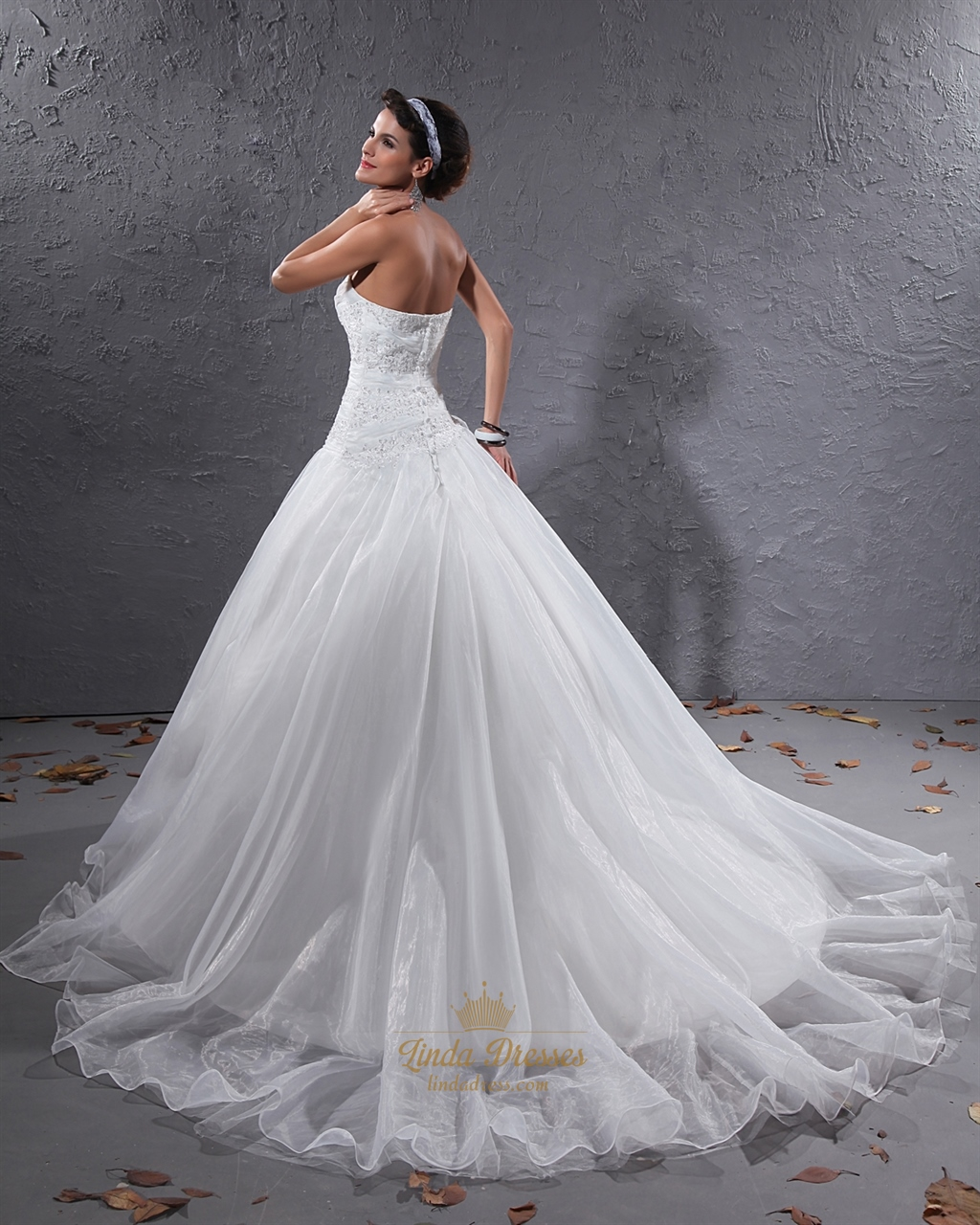 White strapless beaded lace applique organza wedding dress for White strapless wedding dresses
