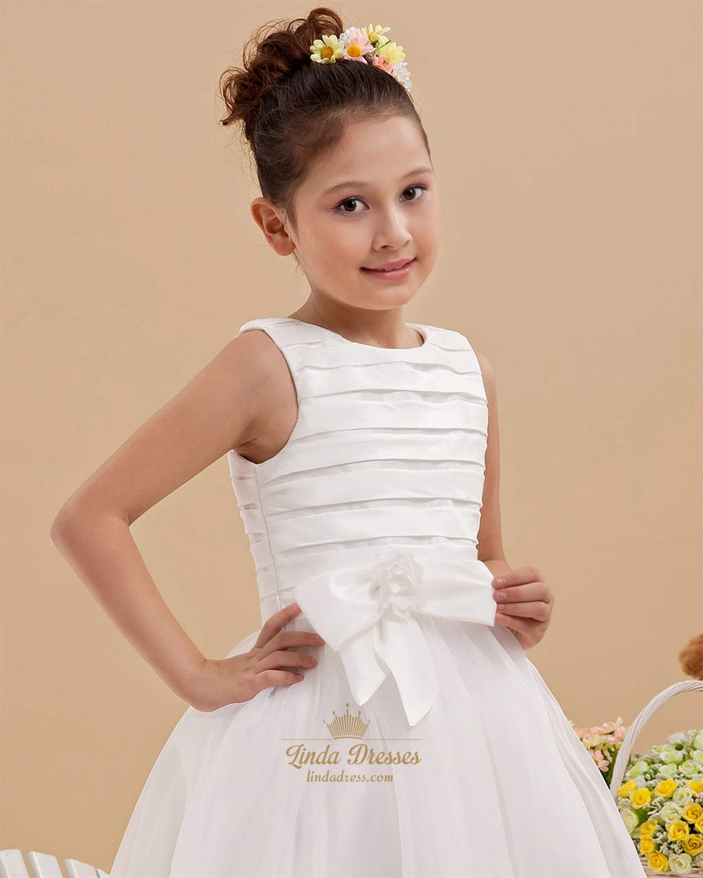 d1dded9d1fb Elegant White A-Line Scoop Organza Flower Girl Dress With Bow ...