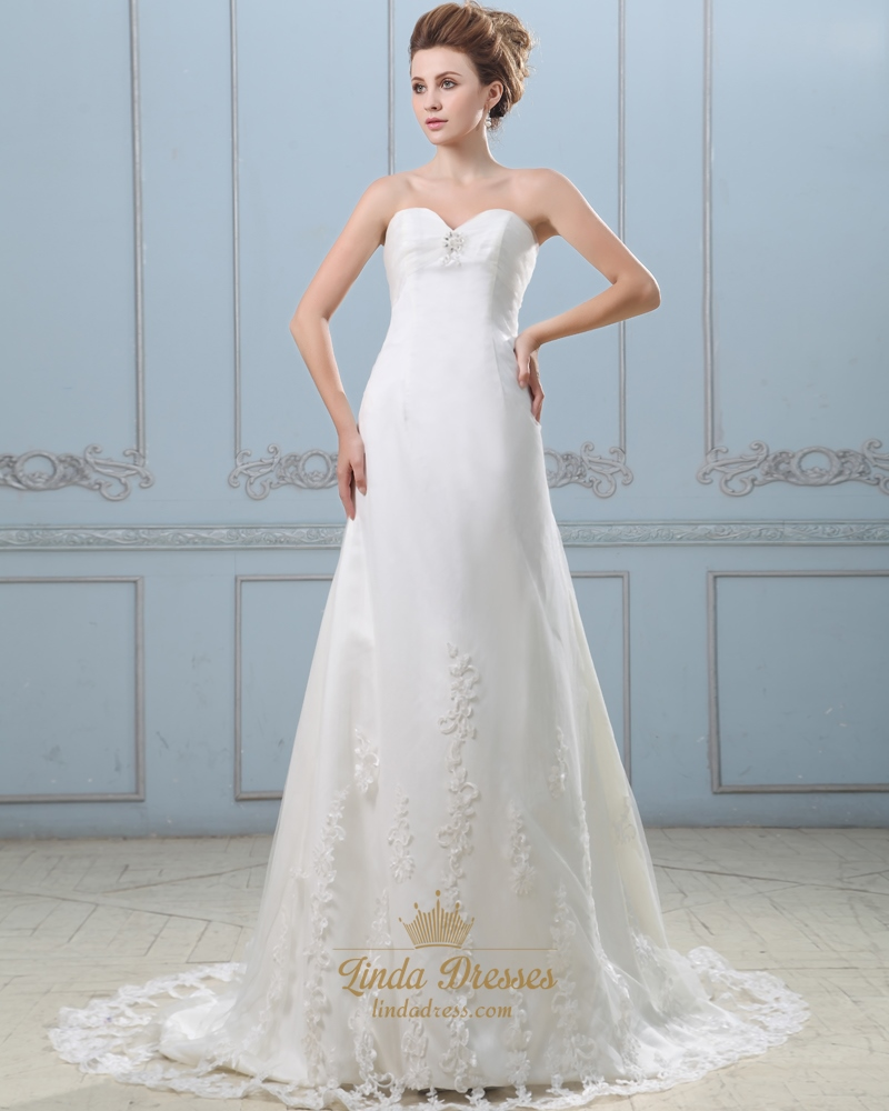 Ivory strapless sweetheart empire wedding dress with lace for Empire lace wedding dress