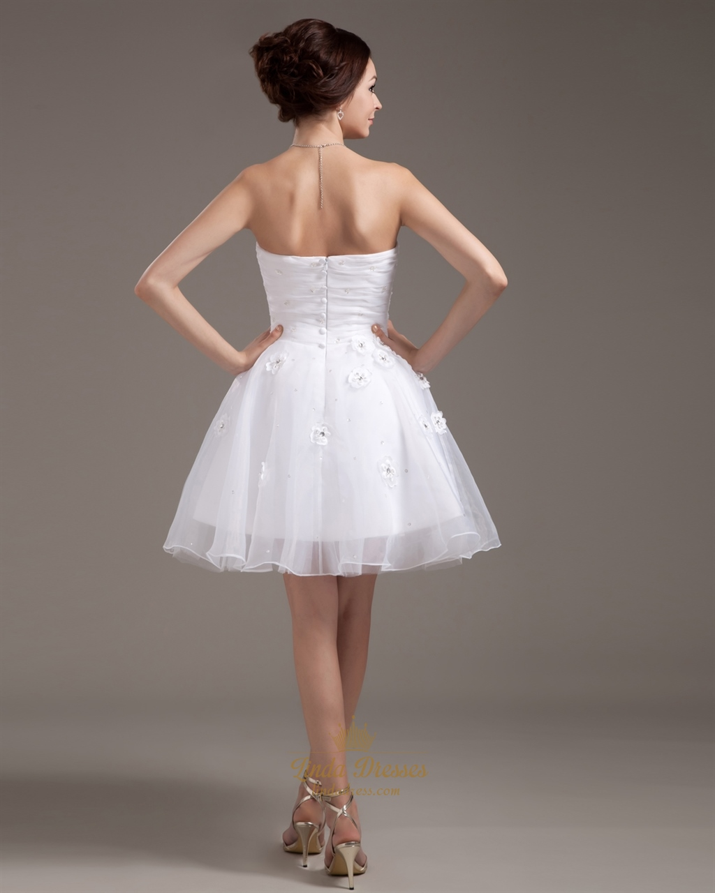 White Strapless Organza Short Beach Wedding Dress With