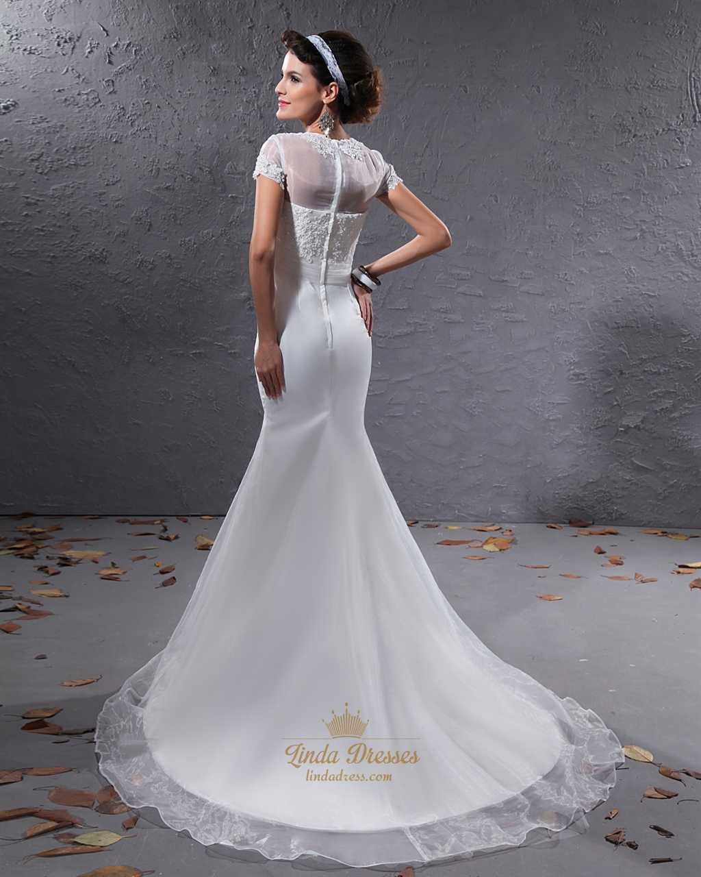 Ivory Lace Appliques Organza Mermaid Wedding Dresses With
