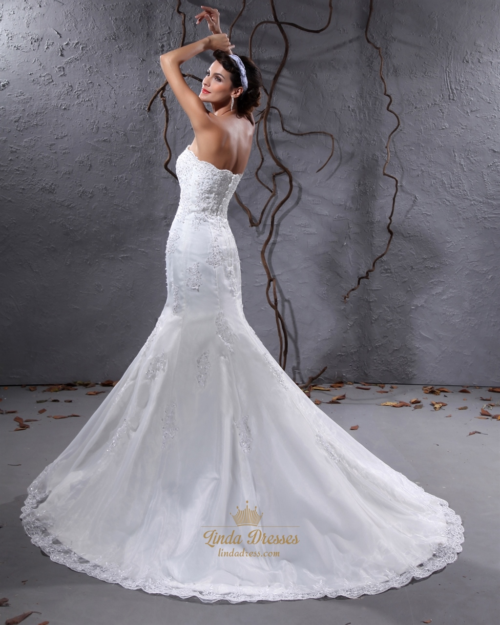 Ivory strapless mermaid lace appliques wedding dress with for Ivory mermaid wedding dresses