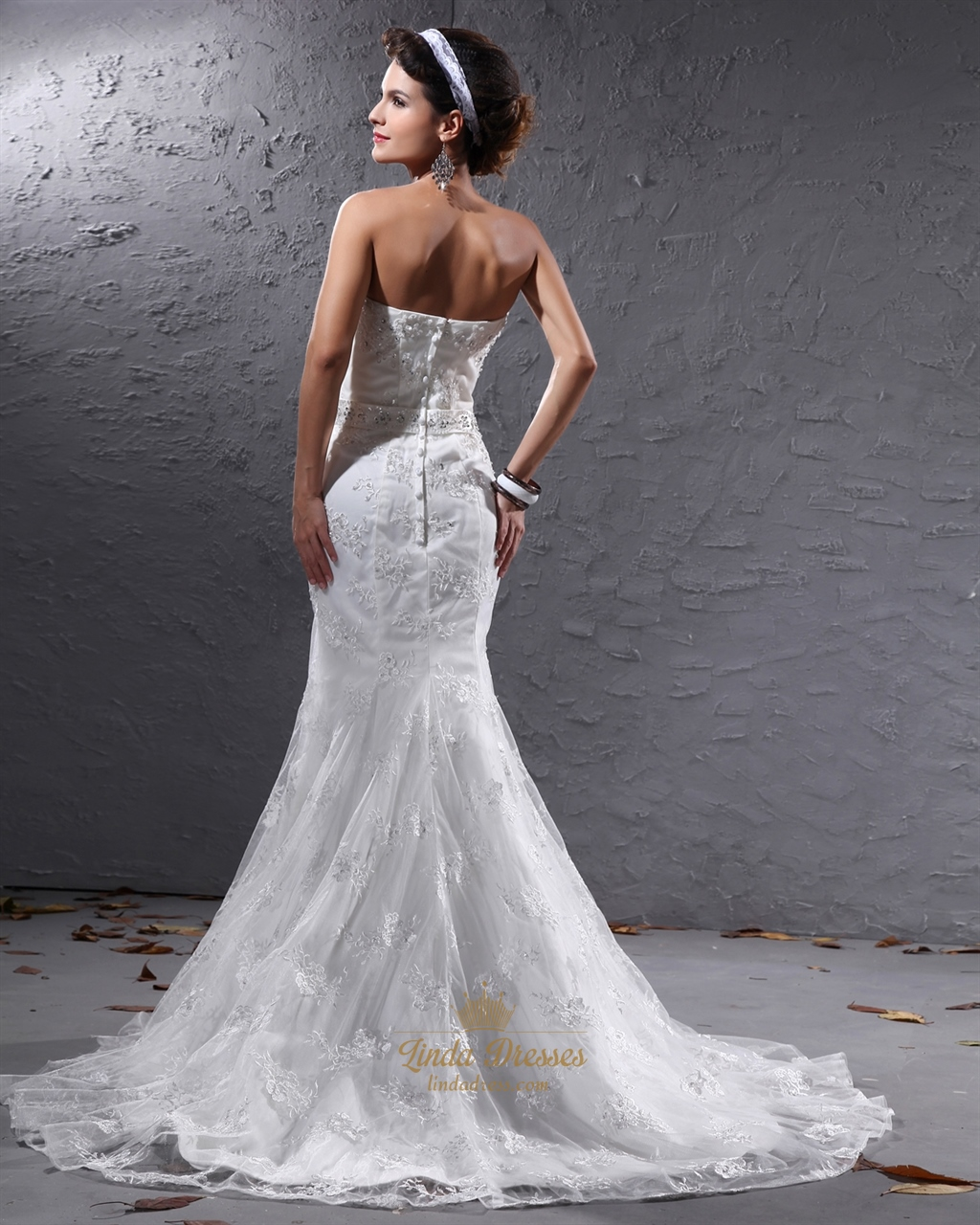 Ivory Mermaid Sweetheart Lace Wedding Dresses With Beaded