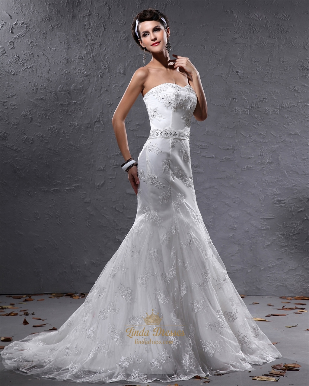 Ivory mermaid sweetheart lace wedding dresses with beaded for Ivory wedding dress belt