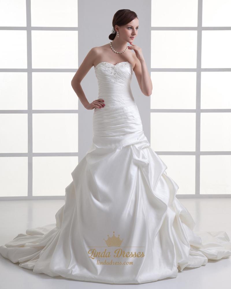 Ivory satin vintage strapless sweetheart wedding dress for Vintage ivory wedding dresses