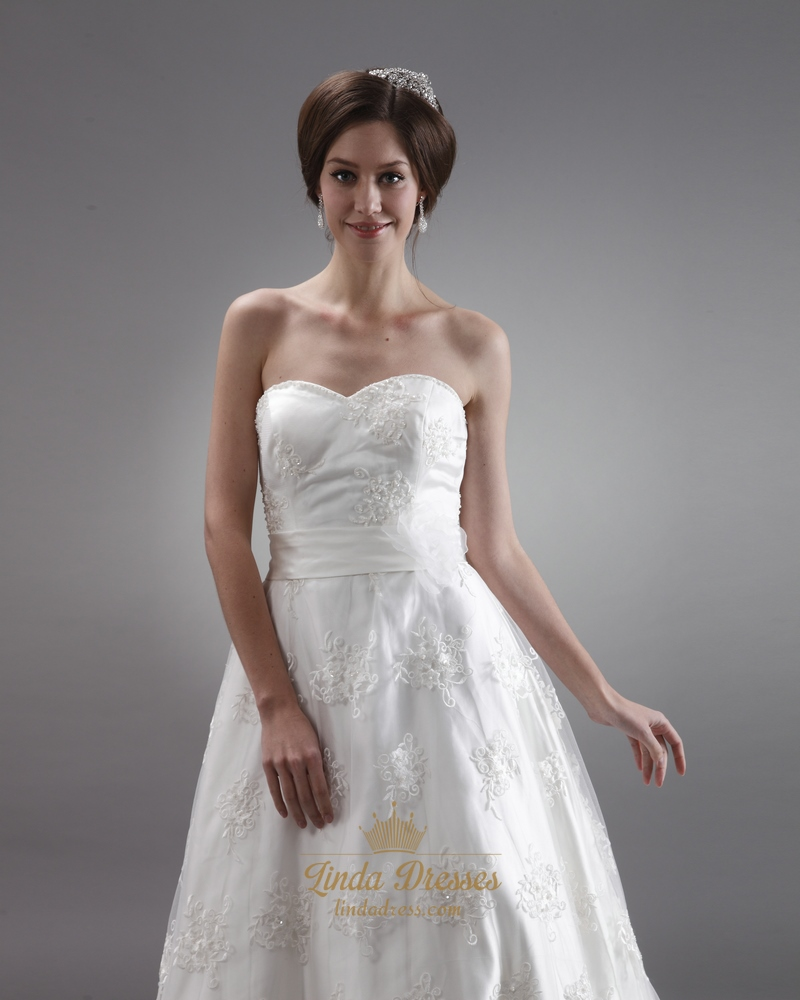 Ivory Lace Sweetheart Strapless Wedding Dresses With