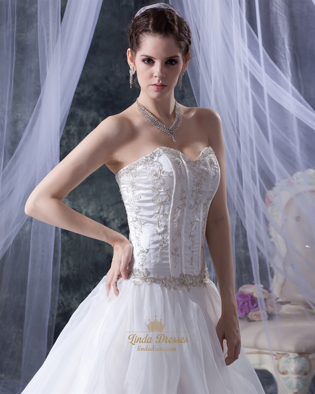 Ivory Organza Sweetheart Strapless Wedding Dress With Gold