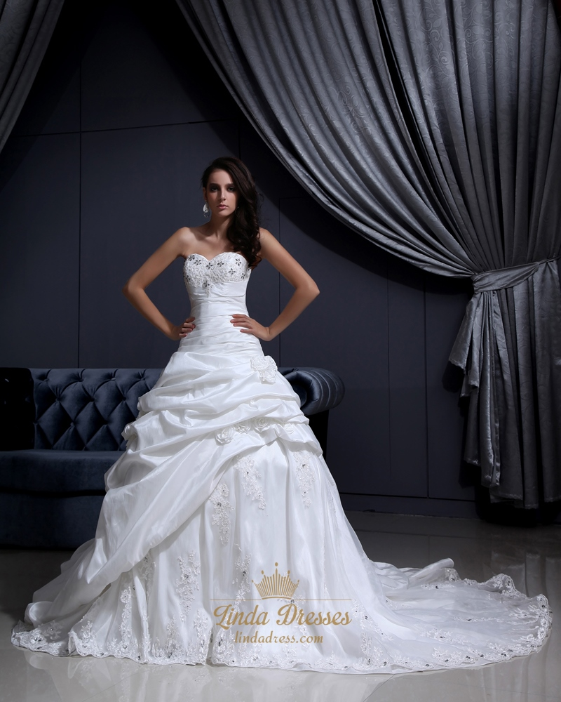 Ivory Sweetheart Beaded Lace Applique Wedding Dress With