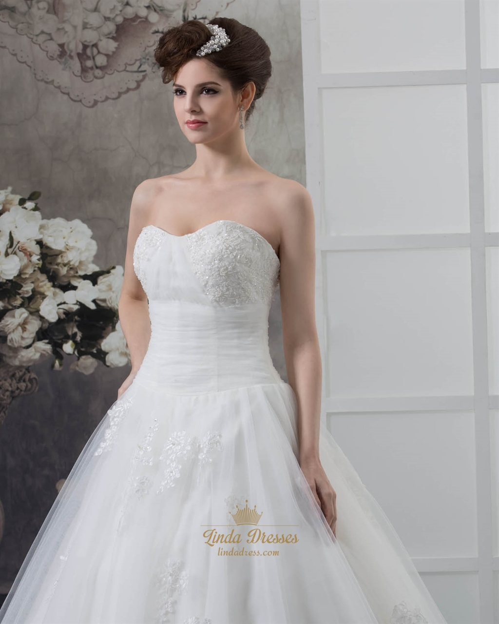 Ivory a line dropped lace appliqu wedding dresses for Lace a line wedding dress with sweetheart neckline