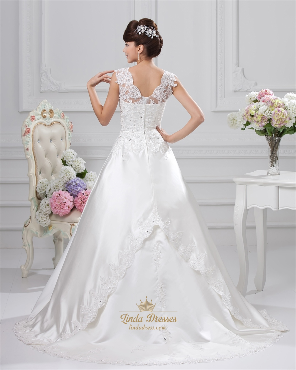 Beaded ivory a line sweetheart wedding dress with straps for Sweetheart wedding dress with straps