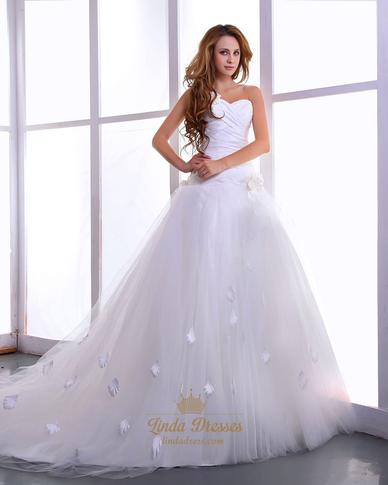 White strapless chapel train tulle wedding dresses with 3d for White strapless wedding dresses