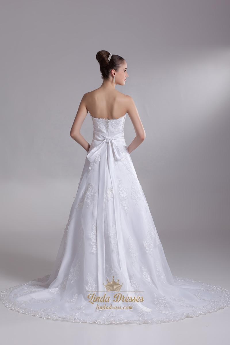 White lace chapel train sweetheart wedding dress with for Wedding dresses chapel train