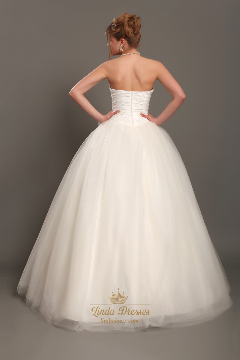 Ivory Strapless Tulle Ball Gown Wedding Dresses With 3d