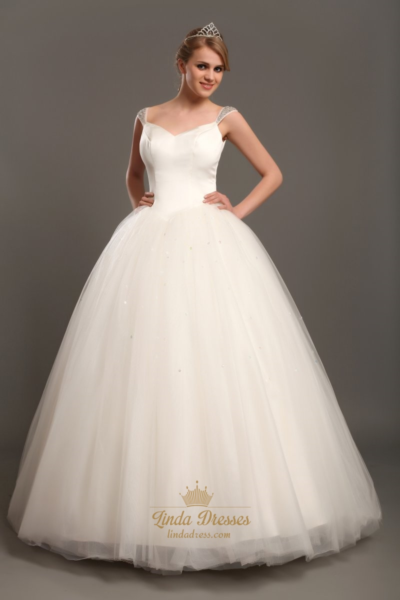 Elegant Ivory Ball Gown V Neck Tulle Wedding Dresses With Beaded Straps