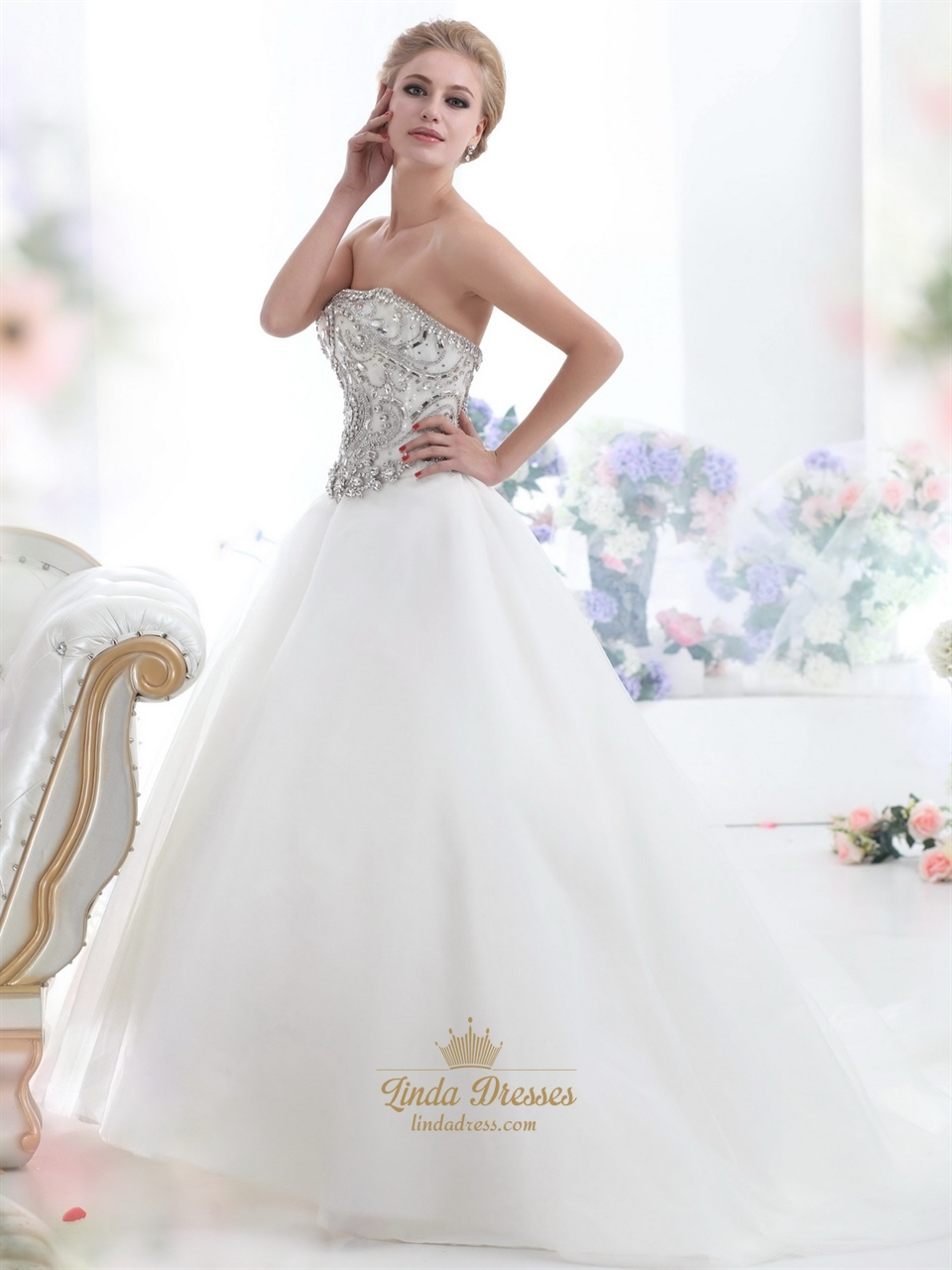 Ivory strapless heavily beaded bodice chapel train tulle for Ivory beaded wedding dress