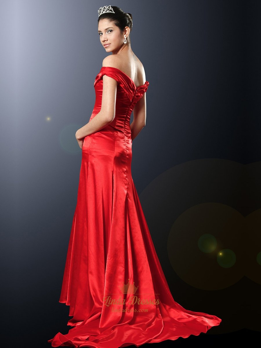 Elegant Red Off The Shoulder Sheath Satin Prom Dress With