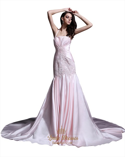 Light Pink Sweep Train Halter Mermaid Prom Dresses With Lace Applique