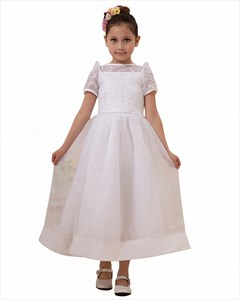 White Organza Short Sleeves Flower Girl Dresses  With Embroidery