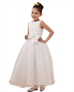 Elegant White A-Line Scoop Organza Flower Girl Dress With Bow