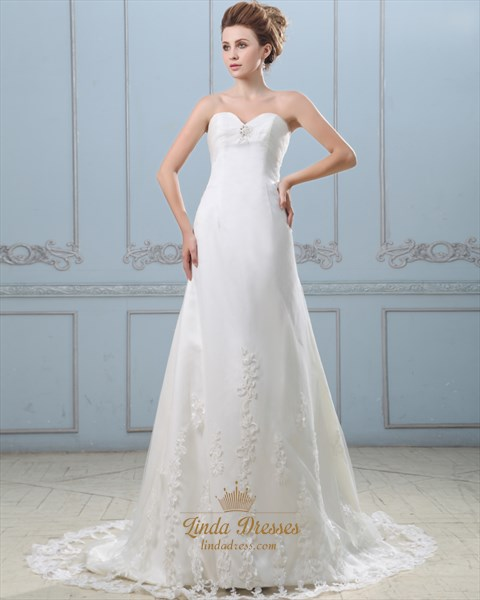 Ivory Strapless Sweetheart Empire Wedding Dress With Lace Applique