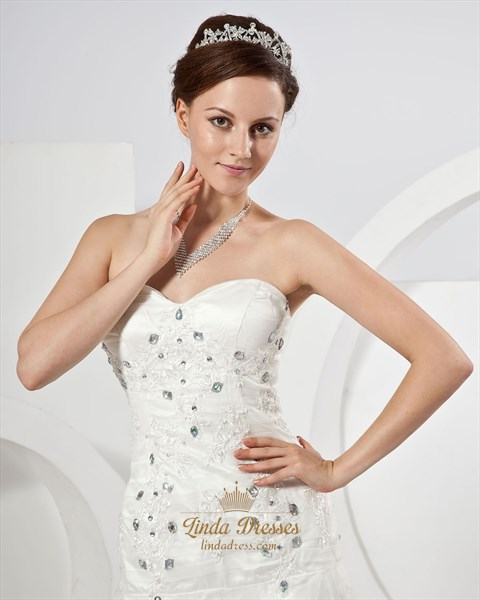 Ivory Strapless Beaded Applique Wedding Dresses With Flower Petals