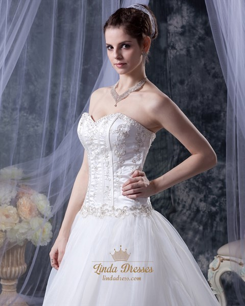 Ivory Organza Sweetheart Strapless Wedding Dress With Gold Embroidery