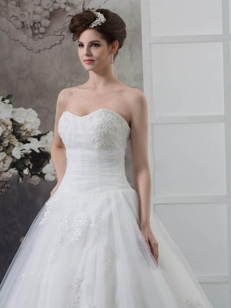 Ivory A Line Dropped Lace Appliqué Wedding Dresses Sweetheart Neckline