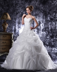 Ivory Beaded Lace Applique Pick Up Ball Gown Sweetheart Wedding Dress
