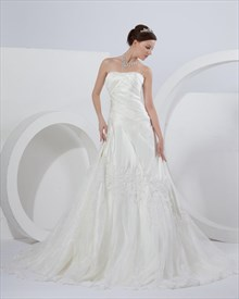 Ivory A Line Strapless Chapel Train Wedding Dresses With Lace Appliques