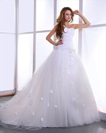 White Strapless Chapel Train Tulle Wedding Dresses With 3d Floral Detail