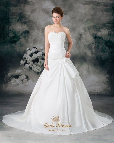Ivory A Line Strapless Chapel Train Wedding Dress With Floral Appliques