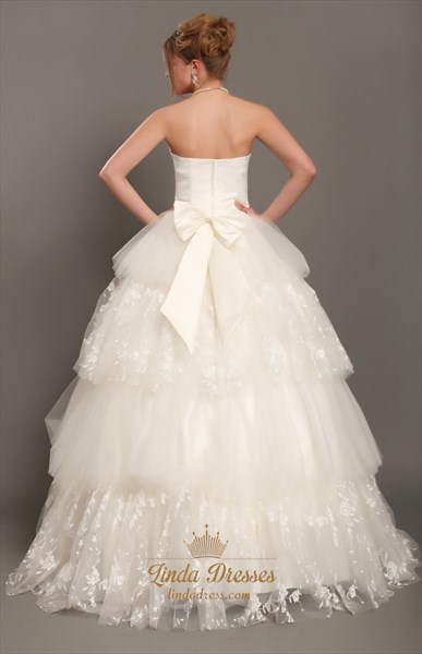 Ivory Sweetheart Strapless Ball Gown Wedding Dress With Layered Skirt