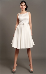 Ivory Satin Sleeveless Knee Length Wedding Dresses With Beading Crystal