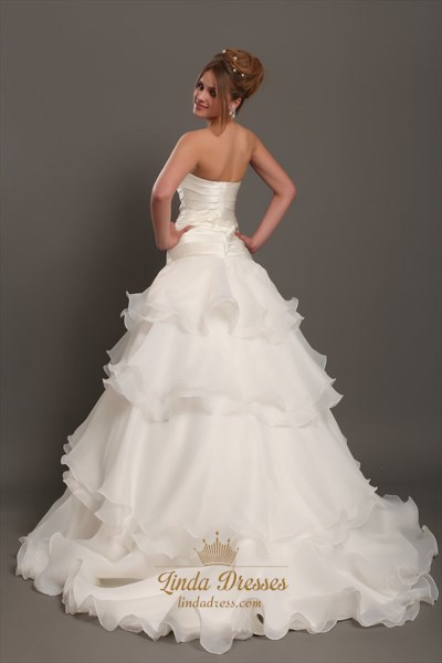Elegant Ivory Strapless Organza Tiered Wedding Dresses With Ruching