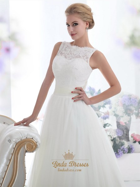 Elegant Ivory Lace Bodice Tulle Skirt Wedding Dress For The Beach