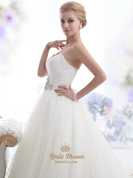 Ivory Lace Bodice Tulle Skirt Wedding Dress With Embellished Waist