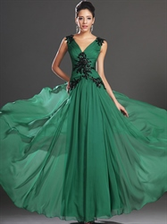 Emerald Green Chiffon V-Neck Prom Dresses With Beaded Lace Applique