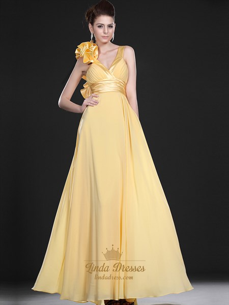 Yellow Flowy V-Neck Crinkle Chiffon Prom Dress With Ruffled Shoulder