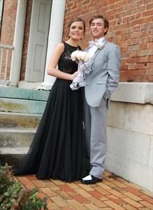 Sleeveless Black Lace Bodice Chiffon Bottom Keyhole Back Prom Dress