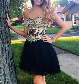 A-Line Strapless Short Tulle Homecoming Dress With Lace Embellished
