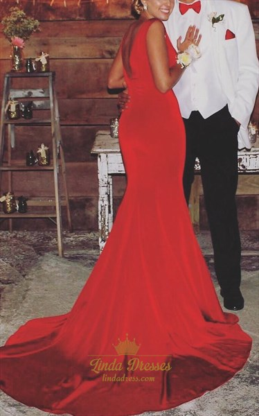 Simple Red Sleeveless V-Neck Backless Mermaid Formal Dress With Train