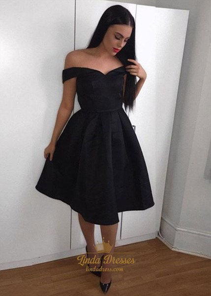 Lovely Simple Off The Shoulder V-Neck A-Line Short Homecoming Dress