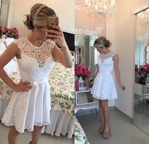 Lovely White Knee Length Sleeveless A-Line Lace Homecoming Dress