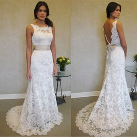 Elegant White Sleeveless Lace Mermaid Wedding Dress With Open Back