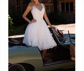 Lovely White Sleeveless V-Neck Short Lace Embellished Wedding Dress