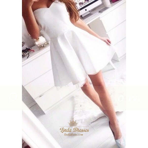 Simple Short White Strapless Sweetheart Homecoming Dress With Tulle