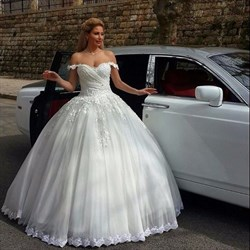 Off The Shoulder Sleeveless Lace Tulle A-Line Ball Gown Wedding Dress